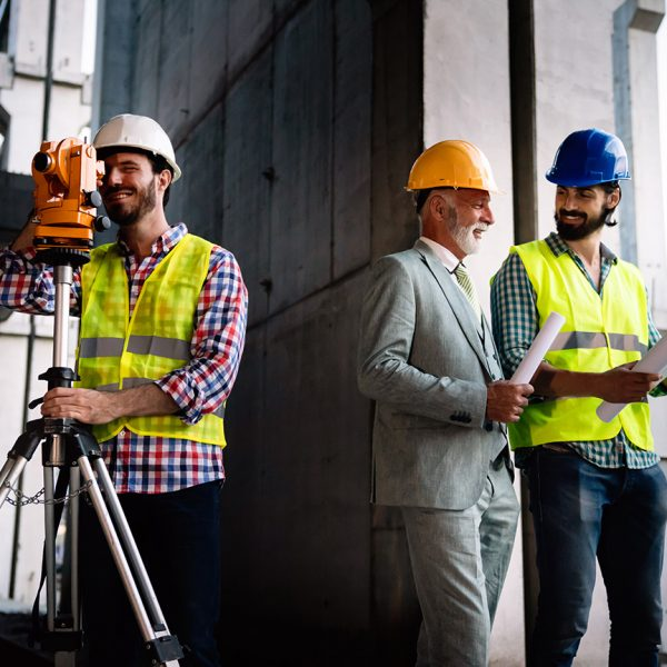 team-of-construction-engineers-architects-working-4952TYC