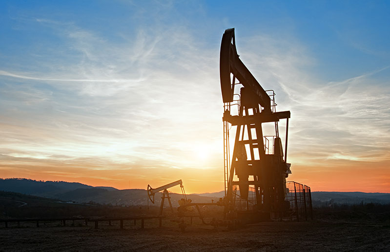 oil-rocking-at-sunset-32NTHCE-800